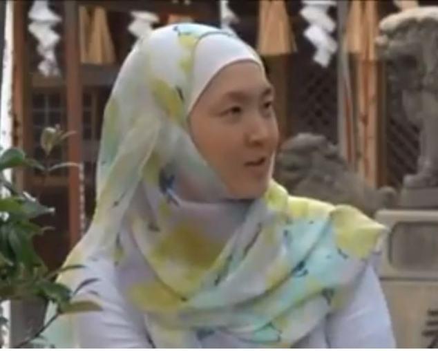 التصوف يعرف عائلة يابانية بوذية بالإسلام