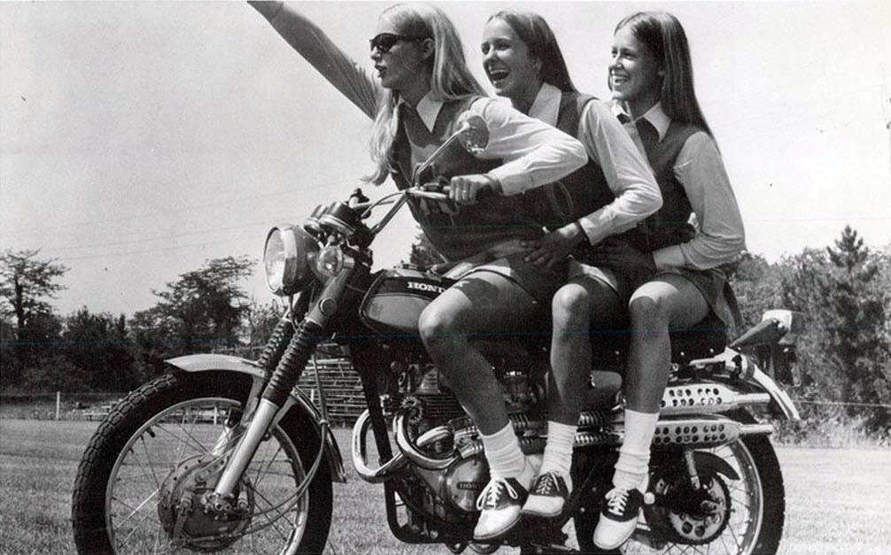 Vintage Photos Of Girls In Mini Skirts On Bikes  Vintage -8155