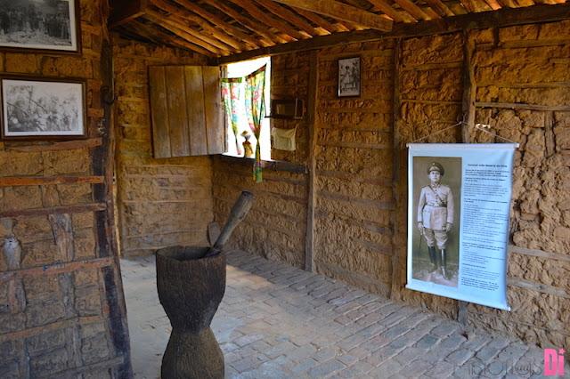 Museu na casa de taipa do coiteiro de Lampião