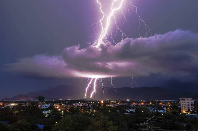 lightening strikes courtesy CDC