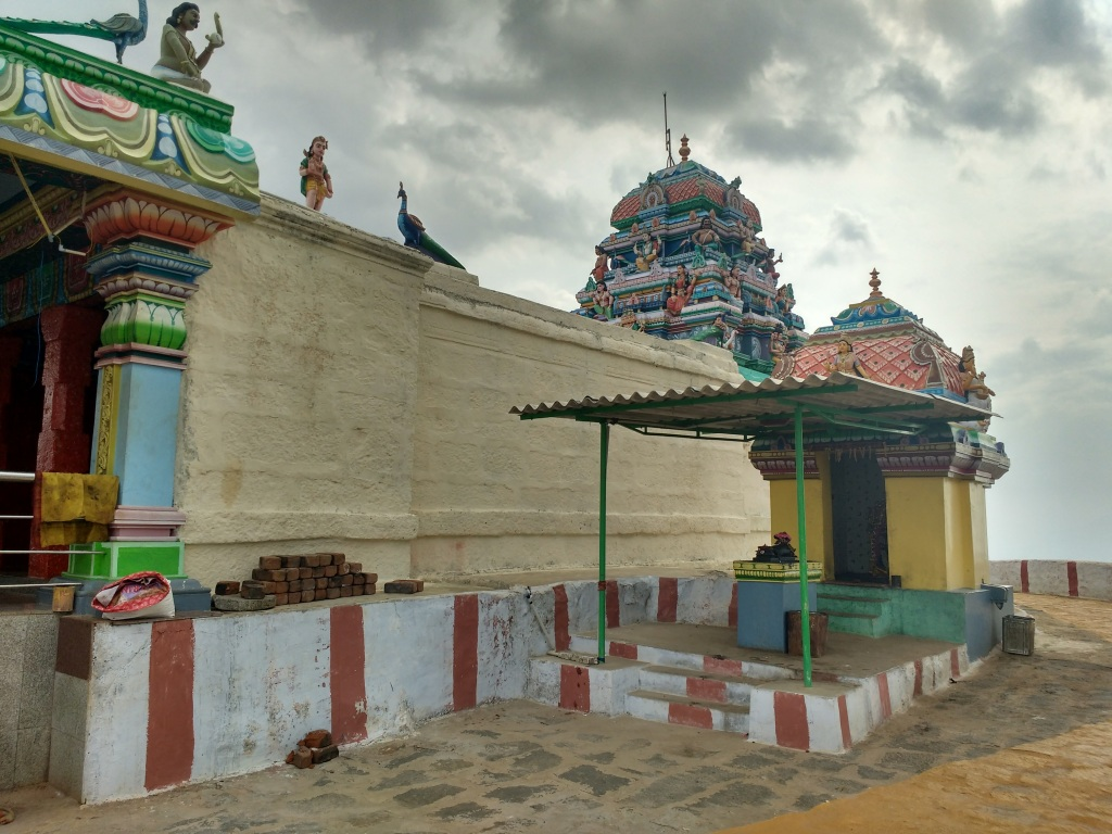 Tamilnadu Tourism: Odhimalai Andavar Temple, Irumbarai – The Temple