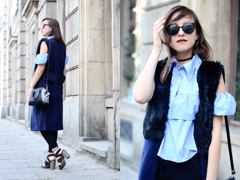 Niebieska koszula z odkrytymi ramionami, kamizelka z futrzanym kołnierzem, choker i wiązane sandały blog