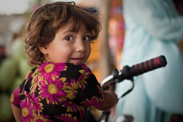 Mädchen auf einem Fahrrad