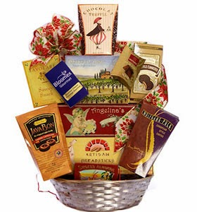 bloomex-blue_ribbon-gift-basket