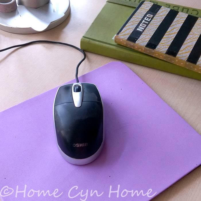 Give and instant makeover to an old shabby mouse pad using craft foam and glue. It's a 5 minutes DIY project!