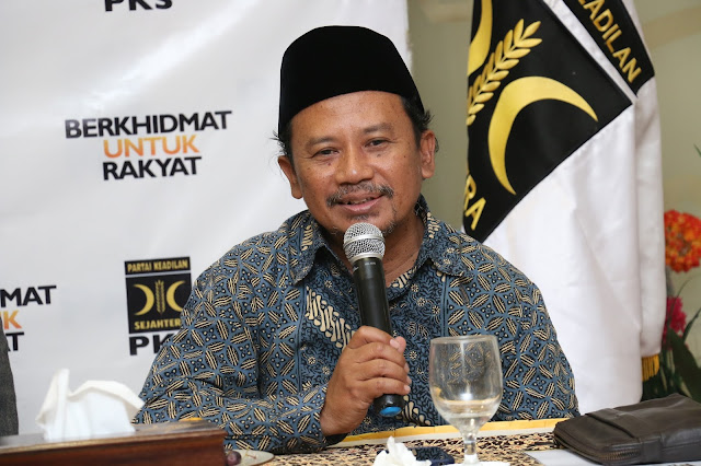 PKS : Pencabutan Moratorium Reklamasi Akan Tenggelamkan Jakarta