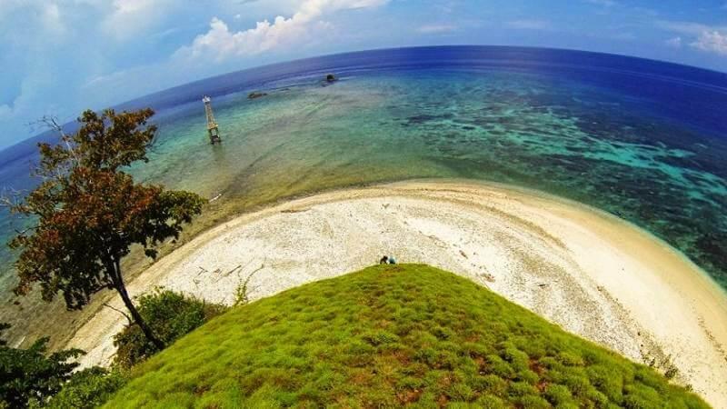 Hasil gambar untuk taman laut tumbak manado