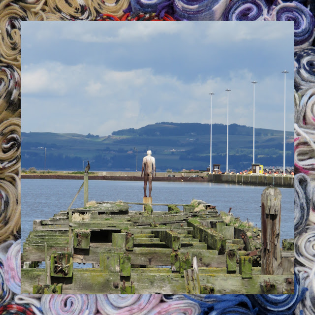 The Water of Leith in Edinburgh - Sculpture on the pier