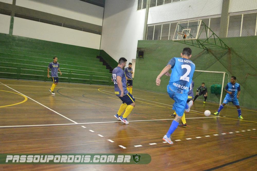 8432f5a128 Iuri Tavares viu bem Yuri livre na entrada da área e tocou com maestria  para o camisa 10 do Vila Nova driblar o goleiro Juninho e tocar para o  fundo das ...