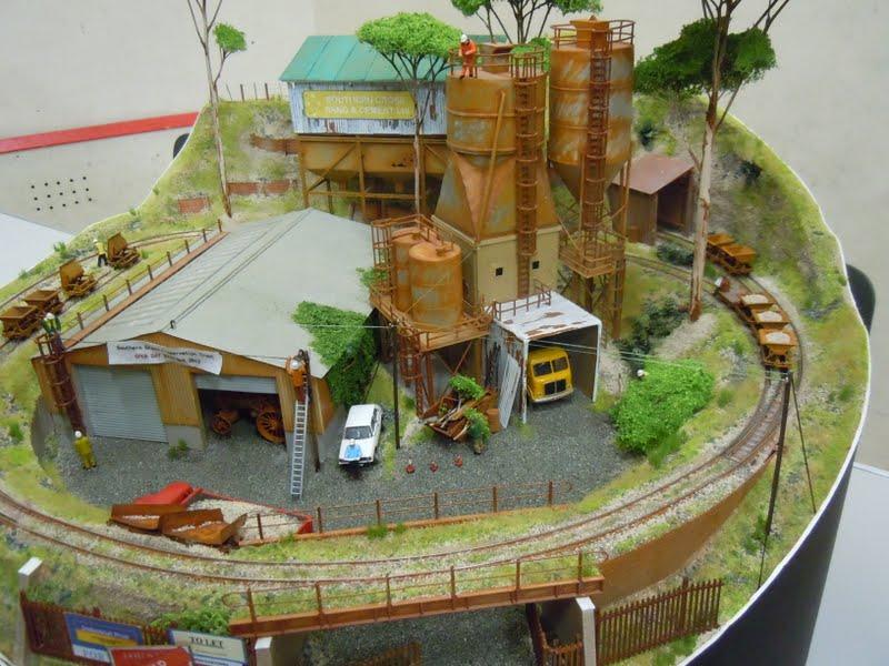 Michael's Model Railways: Anyone for Pizza?