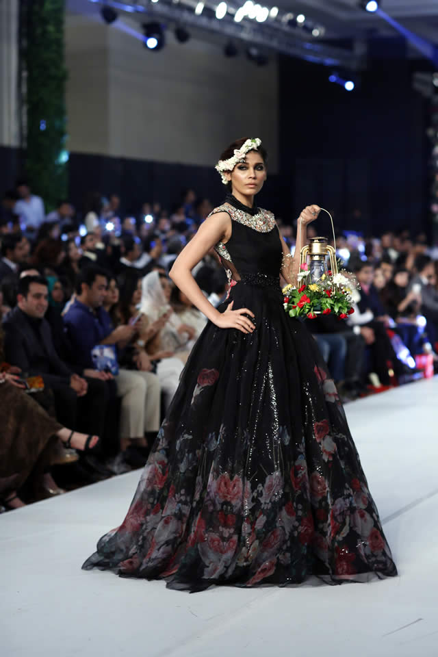 "c85c4dfc6e Asifa & Nabeel ""Venetian Dreams"" Collection PFDC L'oréal Paris Bridal Week  2015"