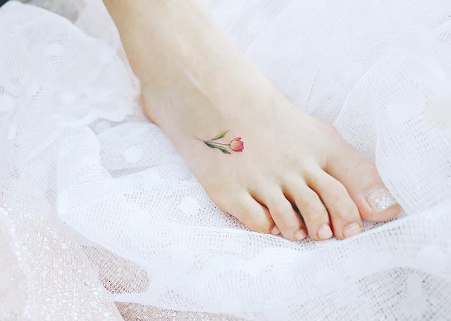 tatuagens femininas para os pés