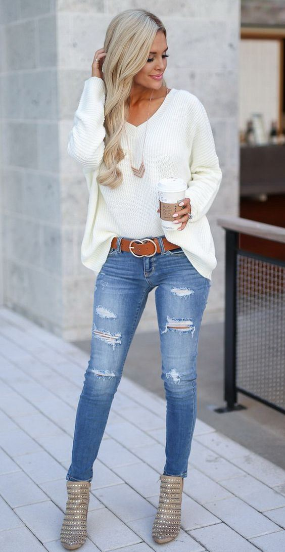 winter outfit / white v-neck sweater + ripped jeans + boots