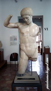 Museo Barracco guia portugues Efebo - Museu Barracco de Roma
