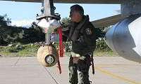 Ο Αρχηγός της Αεροπορίας «βομβάρδισε» βραχονησίδες στο Αιγαίο
