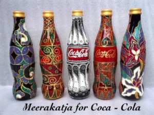 Kisah Ratna Miranti sukses melukis Botol Bekas