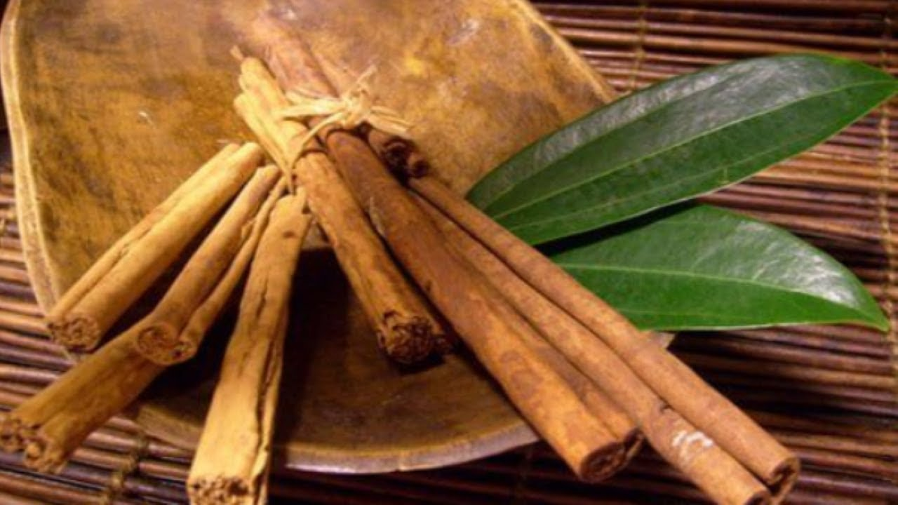 2-Ingredient Cinnamon and Bay Leaf Tea Is a Fat-Burning Weight-Loss Solution