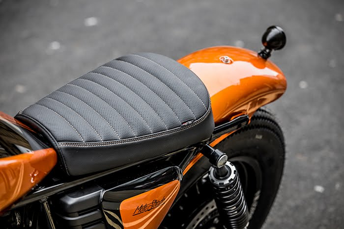 Moto Guzzi V9 Bobber custom seat