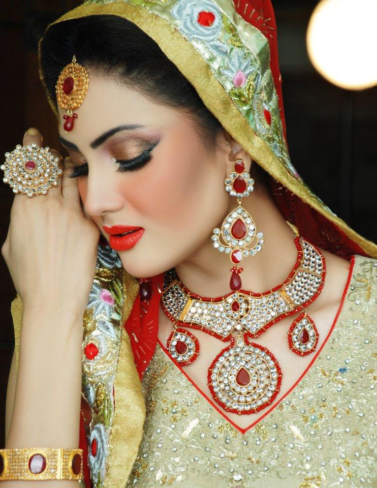 Sexy paki saira khan having homemade sex with husband - 2 part 1