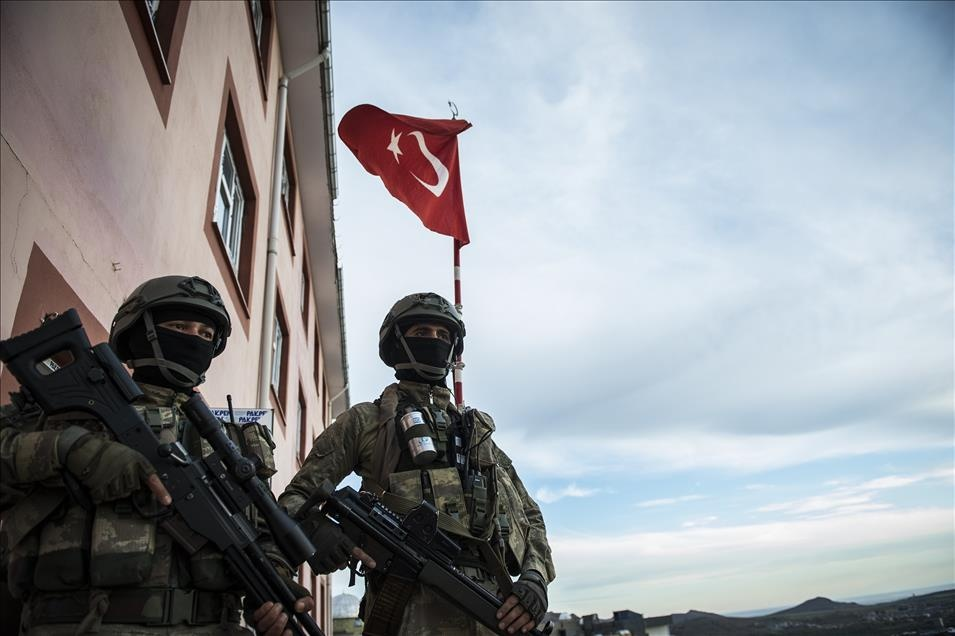 Yan Yana 2 Asker