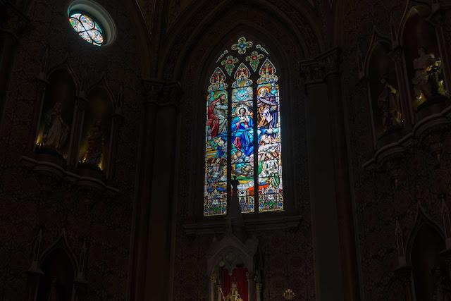 A Catedral de Curitiba - detalhes do interior - vitral