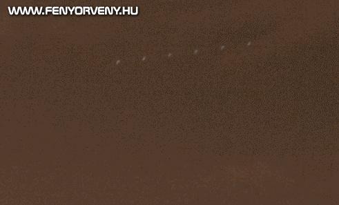 Óriási szivar alakú UFO Budapest felett