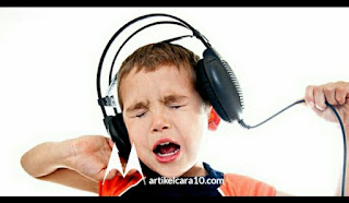 Stop! 4 Bahaya Gunakan Headset
