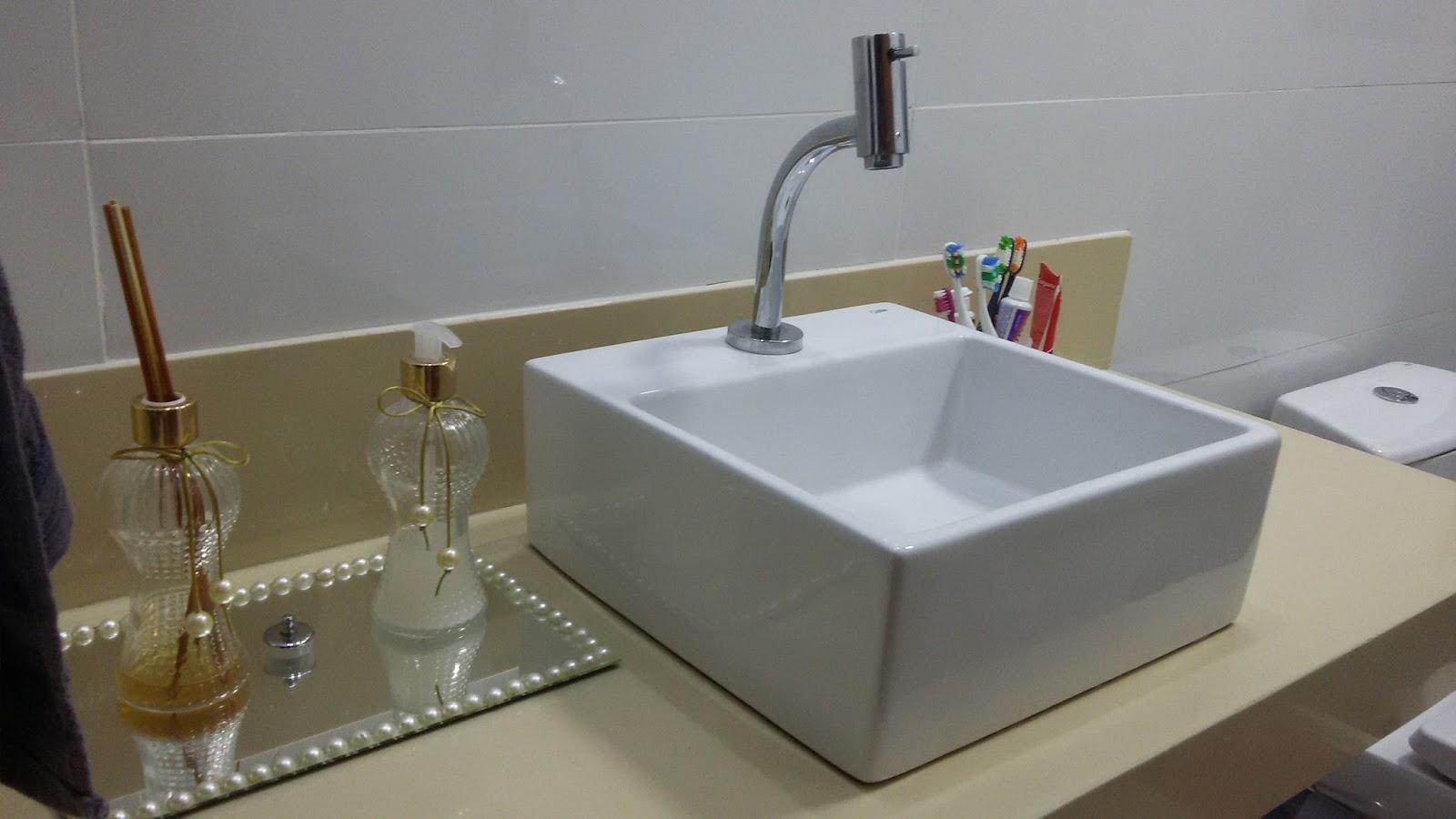 Casa com afeto: Banheiro social muito amor envolvido! #5D4B34 1600 900