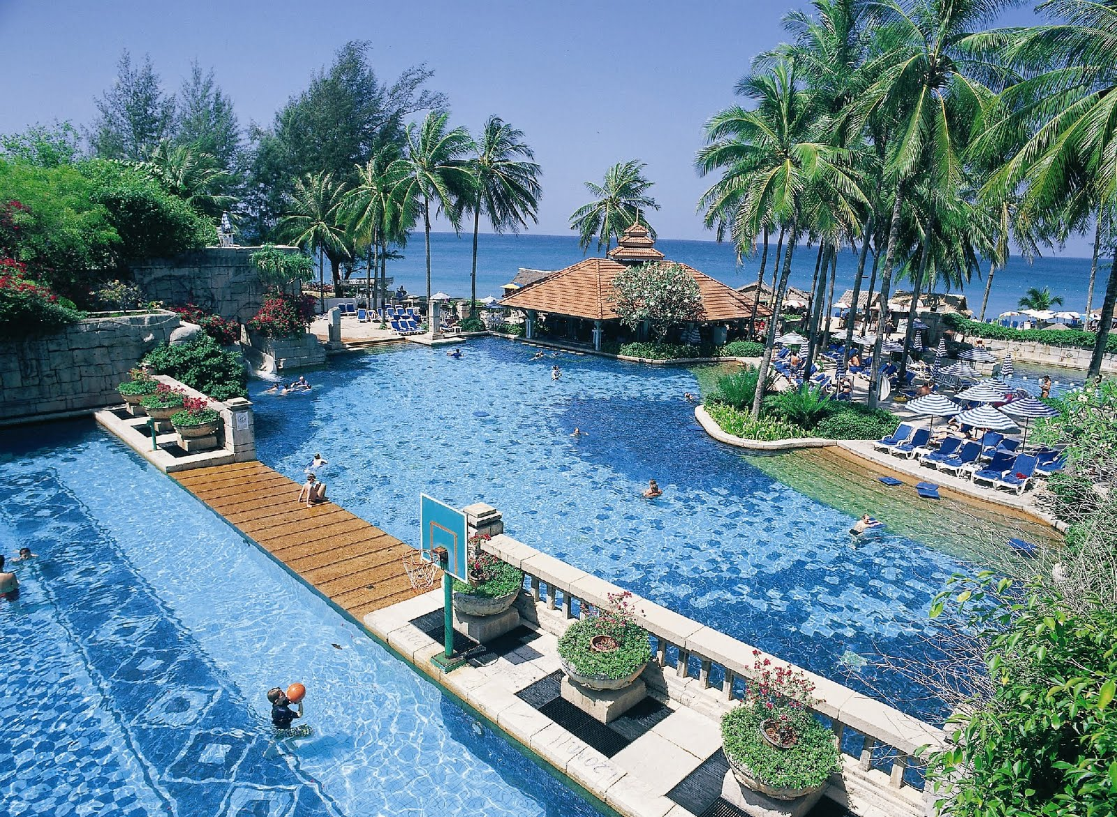 Go To Vacation: Looking For Resort In Phuket Thailand