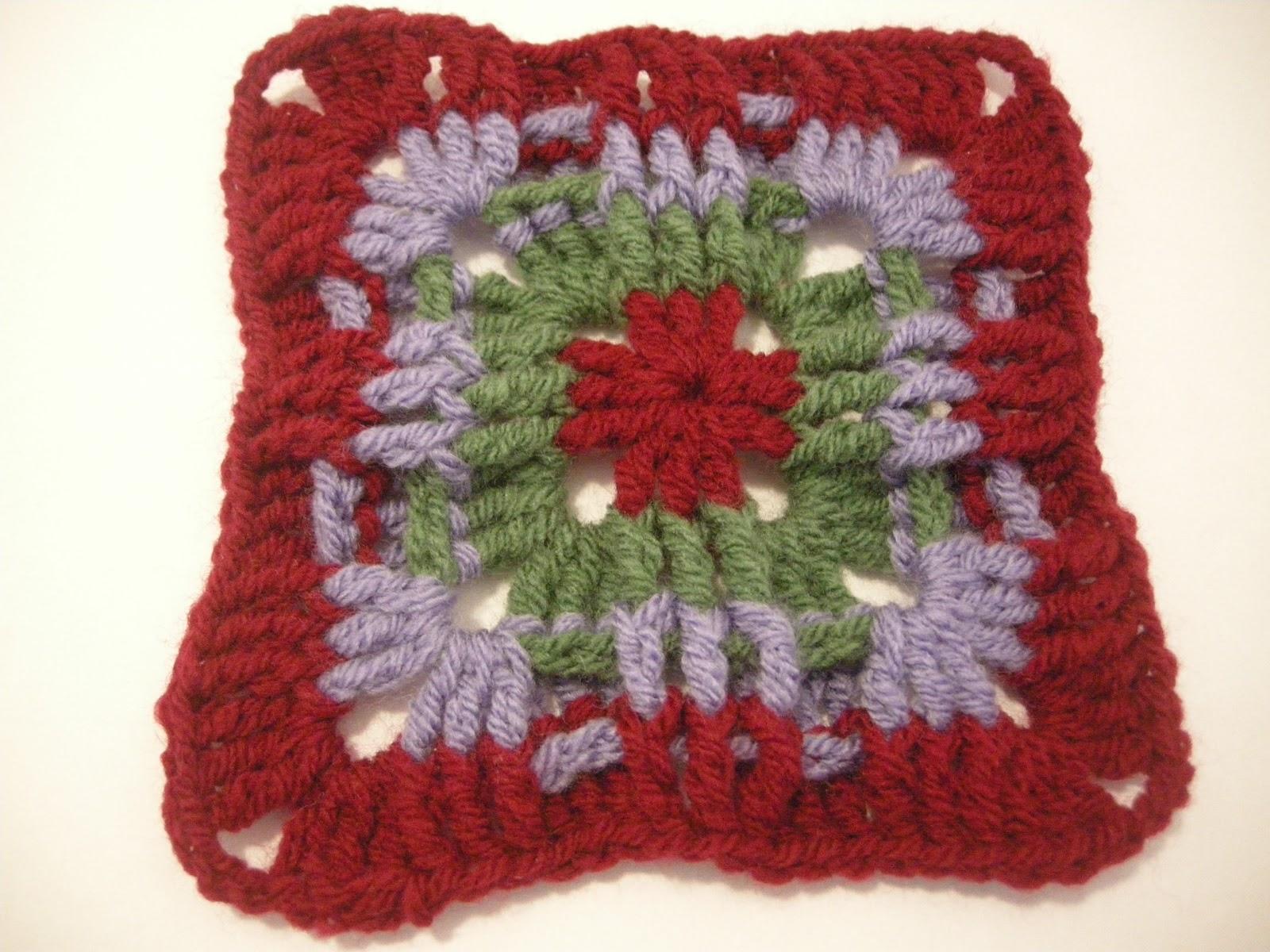 Lavori a maglia e uncinetto crea il maglione a piastrelle