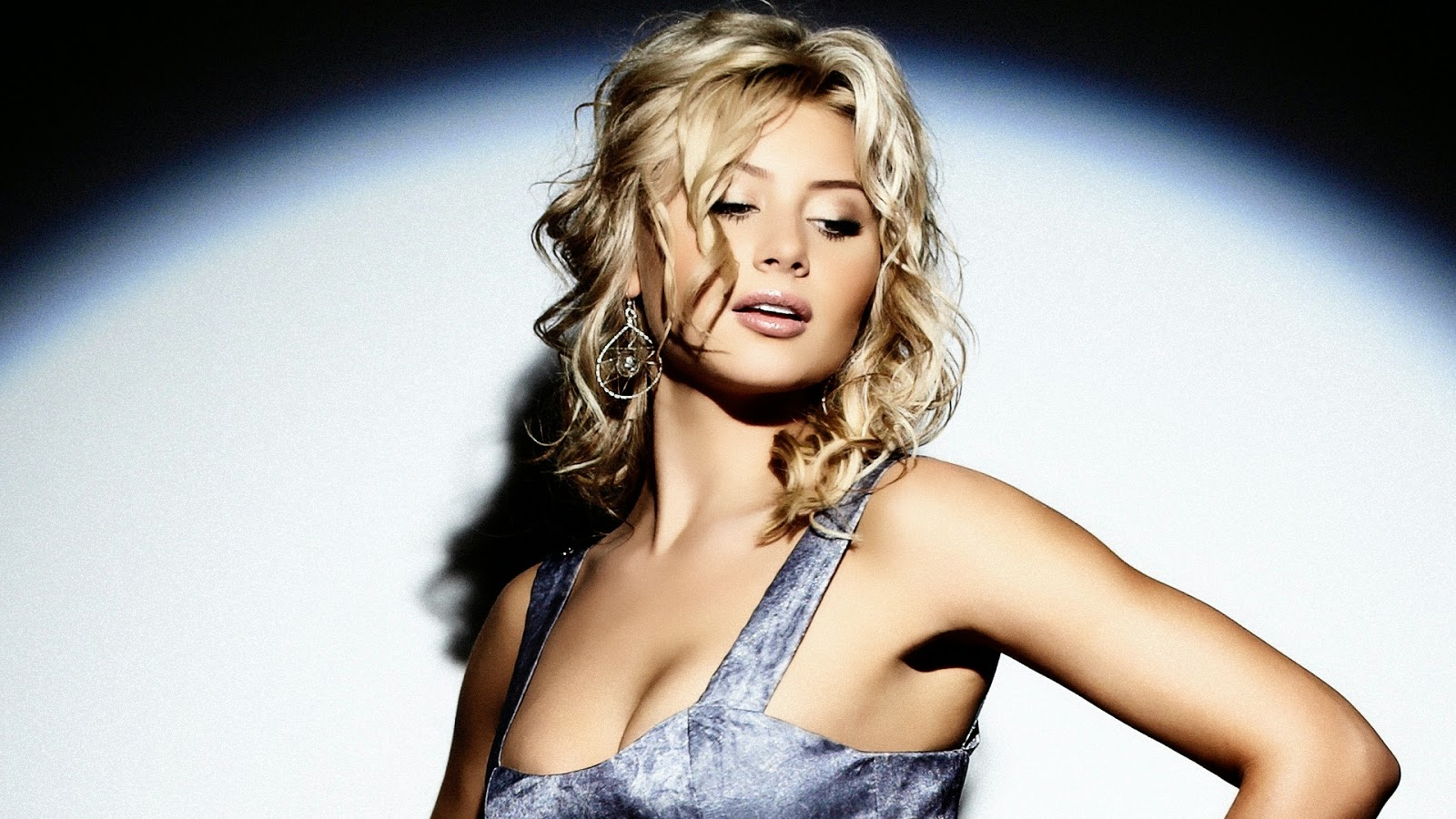 Celebrity hd wallpapers aly michalka hr wallpapers - Celeb wallpapers ...