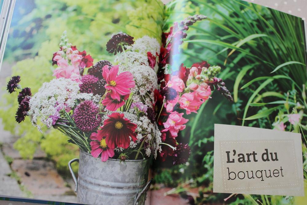 revue de livre mon jardin de fleurs couper. Black Bedroom Furniture Sets. Home Design Ideas