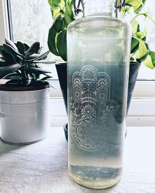 Hylleblomstsaft i en Soulbottle glassflaske