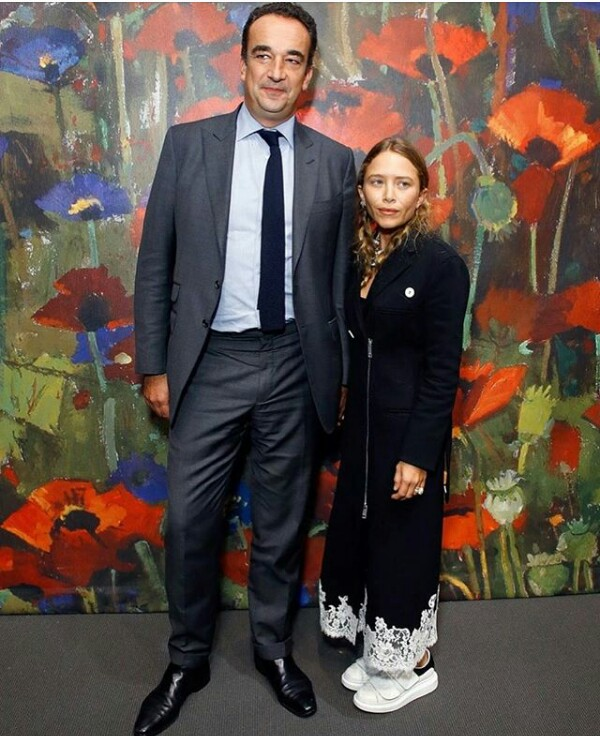 These photos of Mary Kate Olsen and her husband Sarkozy Olivier got people talking