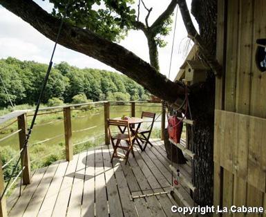 belle maison travel destination la cabane en l 39 air. Black Bedroom Furniture Sets. Home Design Ideas