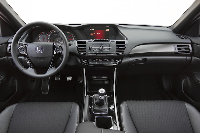 Interior view of 2016 Honda Accord Sport