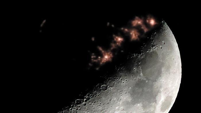 Απίστευτο βίντεο με φώτα σαν πόλης στην σκοτεινή πλευρά της Σελήνης!!!