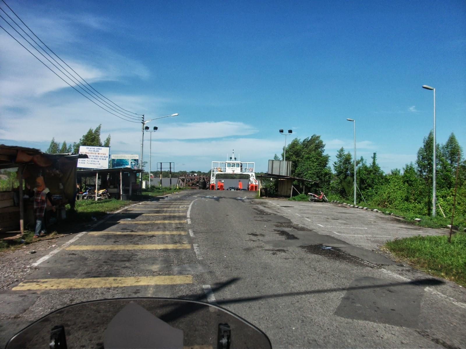 Batang Saribas ferry crossing near Pusa town.