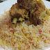 Makan Malam Di Restoran Nasi Arab