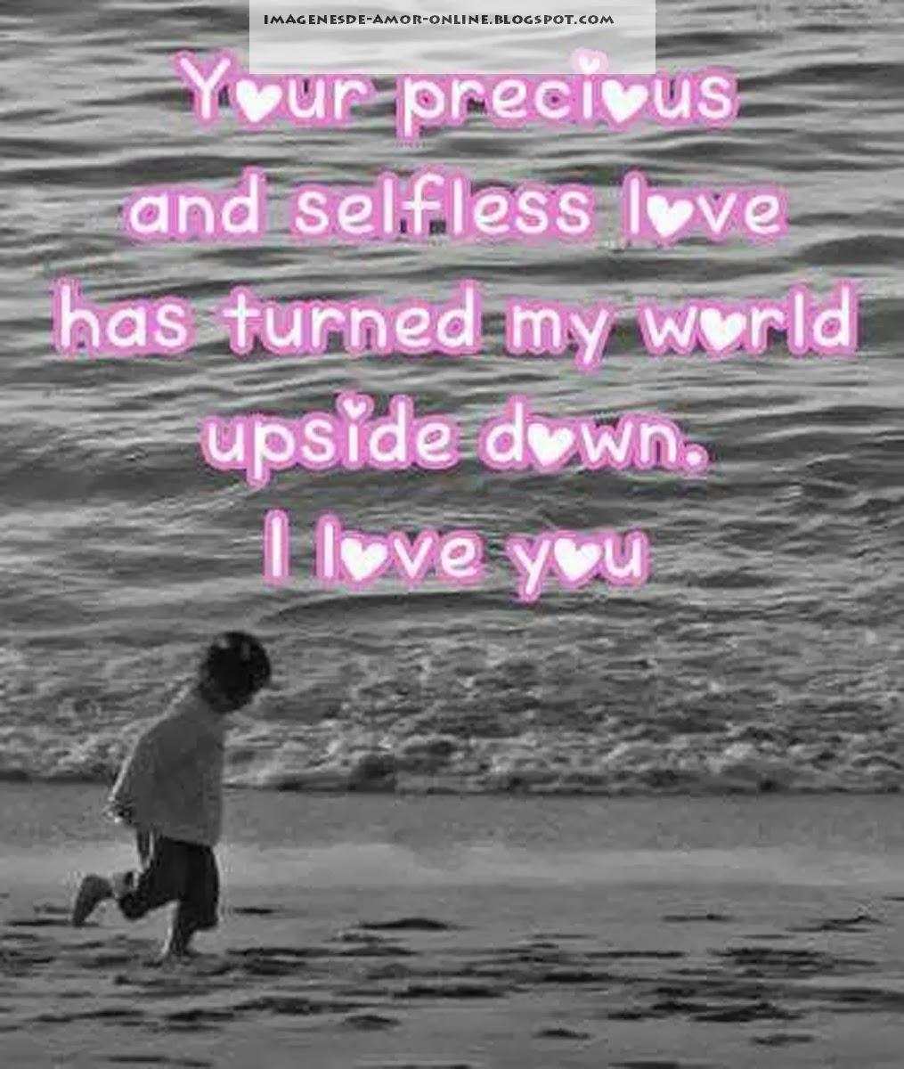 ni±o jugando en la playa co una tierna frase de amor