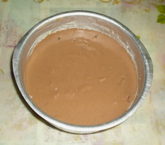 pour the batter in cake mould