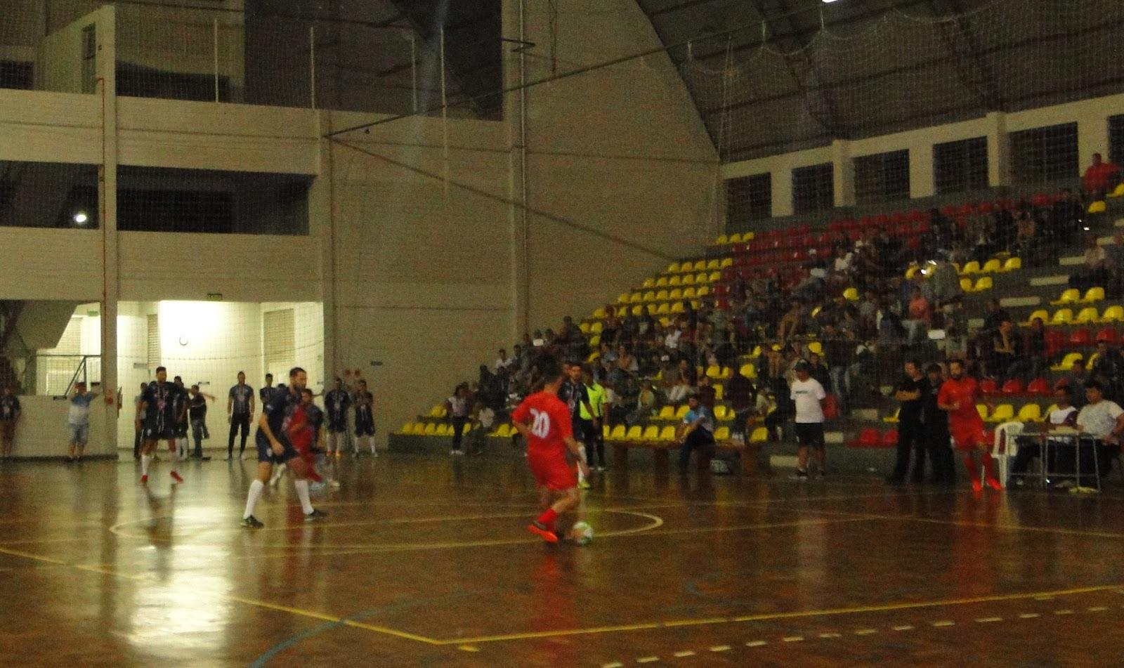 e7c0a8f5d5 A bola começou a rolar na principal competição de futsal de Campo Bom. Na  noite desta terça-feira (27)