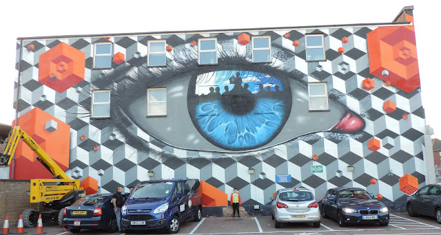 eye and hexagon mural goldsmith avenue portsmouth