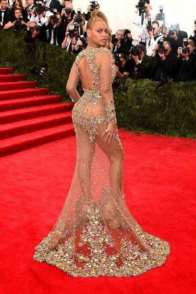 c602bfefd8624 Kim Kardashian Hollywoods: Beyonce