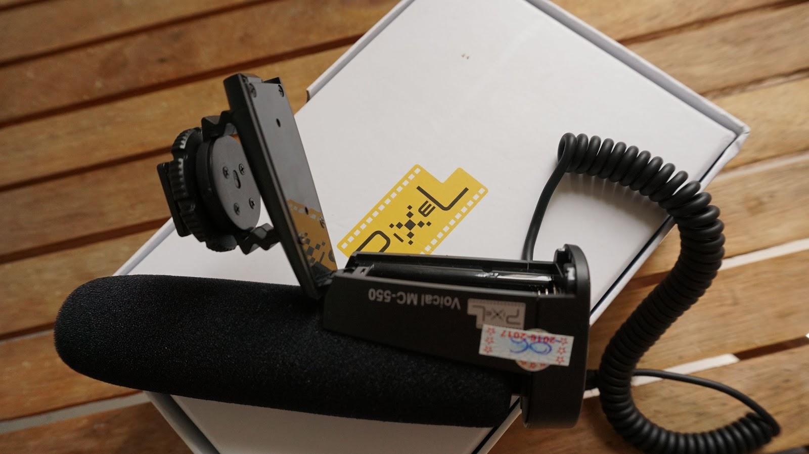 Chổ lắp Pin vào để sử dụng, có thể thu được hàng chục tiếng đồng hồ với 1 cục Pin tiểu