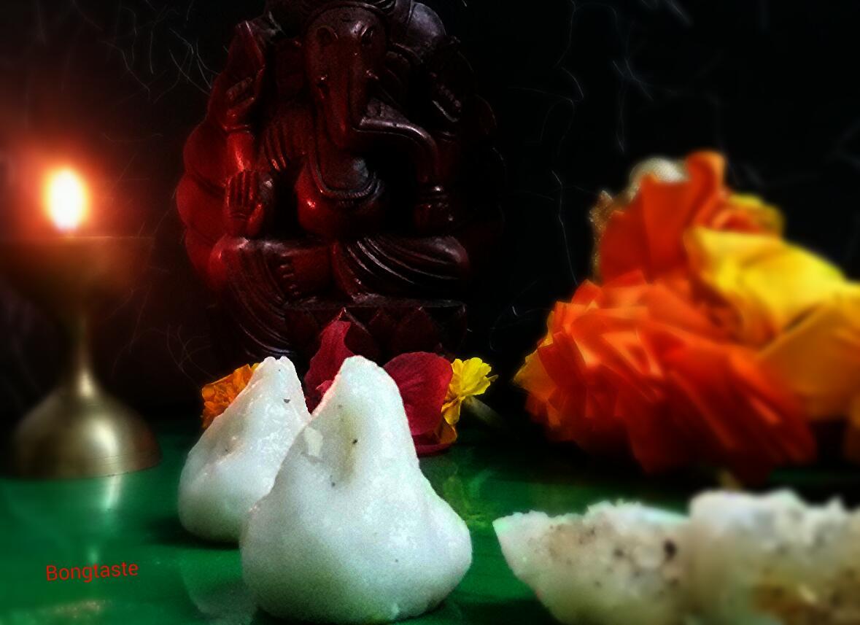 Various Cake Recipes In Marathi: Bongtaste : MODAK..A TRADITIONAL MAHARASHTRIAN SWEET DISH