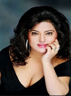 Dolly Bindra Family Husband Son Daughter Father Mother Marriage Photos Biography Profile.