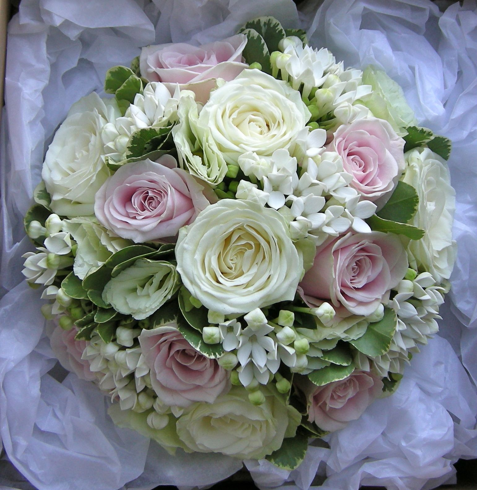 Pink Wedding Flowers: Wedding Flowers Blog: Nikki's Classic Green, White And