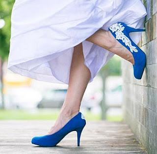vestido de noiva curto com sapato colorido - ideias e dicas