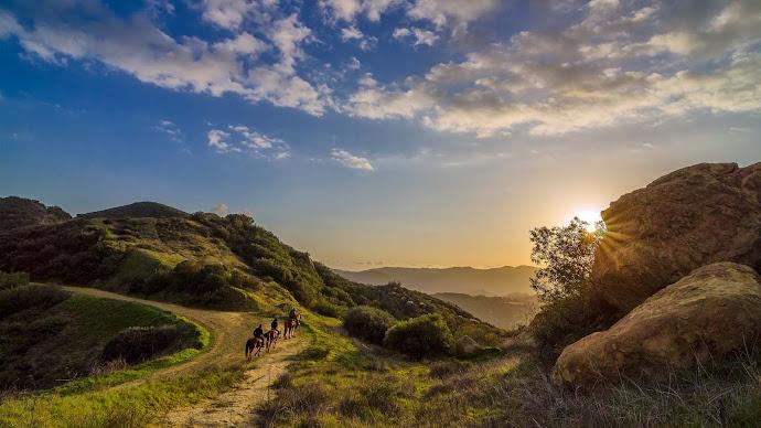 Wallpaper: The Cowboys are returning to Topanga, California